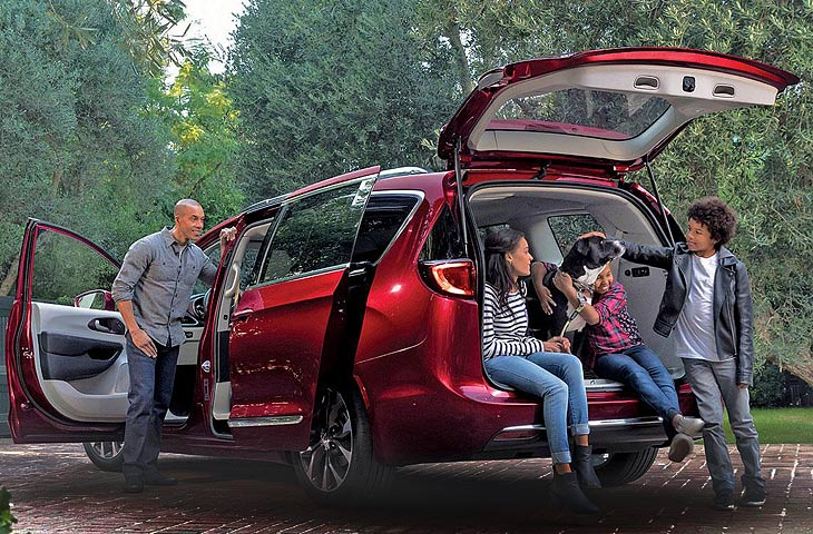 Экстерьер Chrysler Pacifica 2017 года